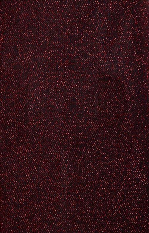 Červená lesklá látka