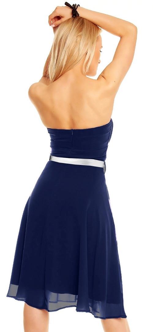 Korzetové šaty s odhalenými zády