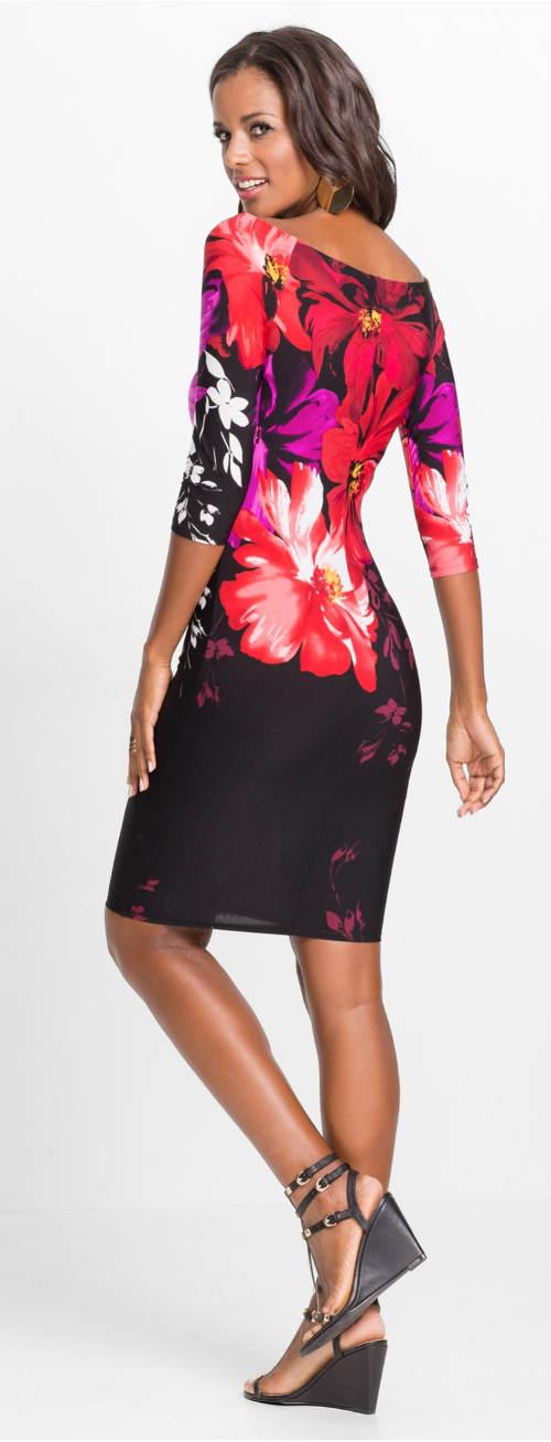 Květované šaty s tříčtvrtečním rukávem
