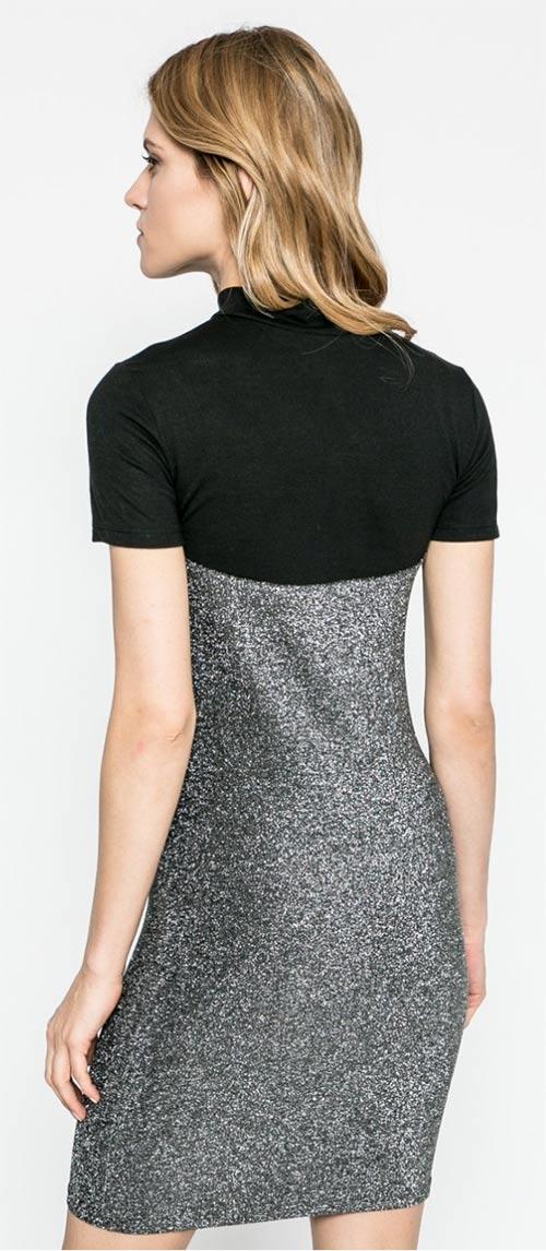 Úplé šaty s krátkým rukávem
