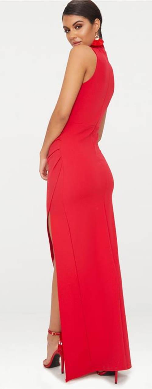Červené šaty až po zem