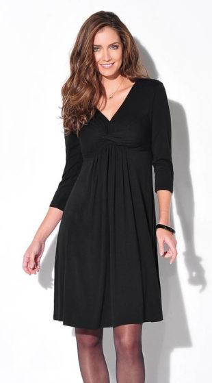 Jednoduché šaty s tříčtvrtečním rukávem