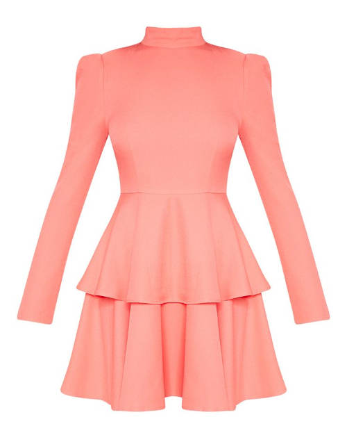 Krátké růžové šaty s dlouhým rukávem