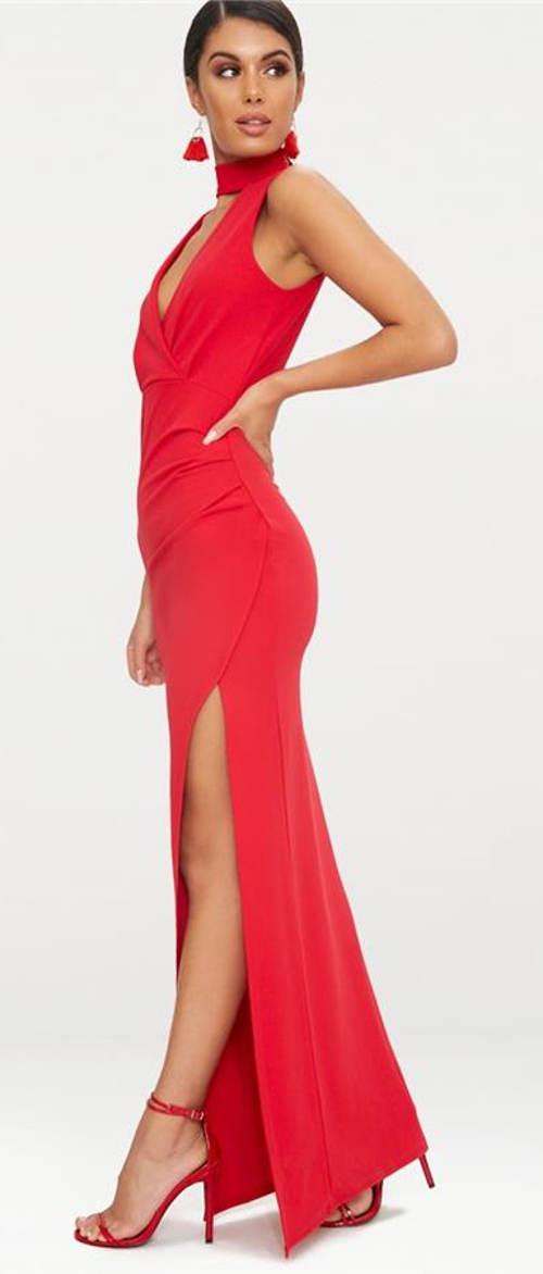 Plesové šaty s hlubokým rozparkem