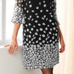 Rovné černobílé šaty s potiskem květin