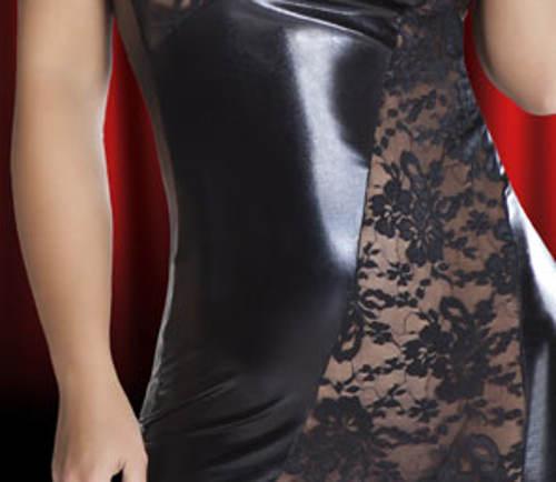 Šaty z latexu a krajky