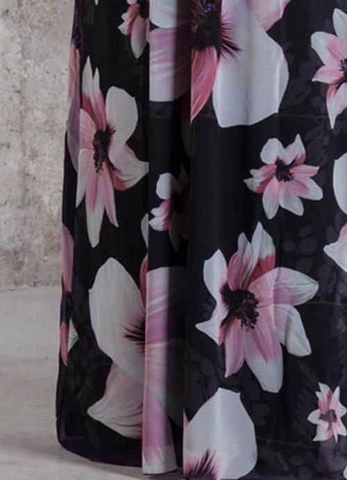 Dlouhá květinová sukně