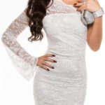 Bílé celokrajkové šaty s jedním dlouhým rukávem