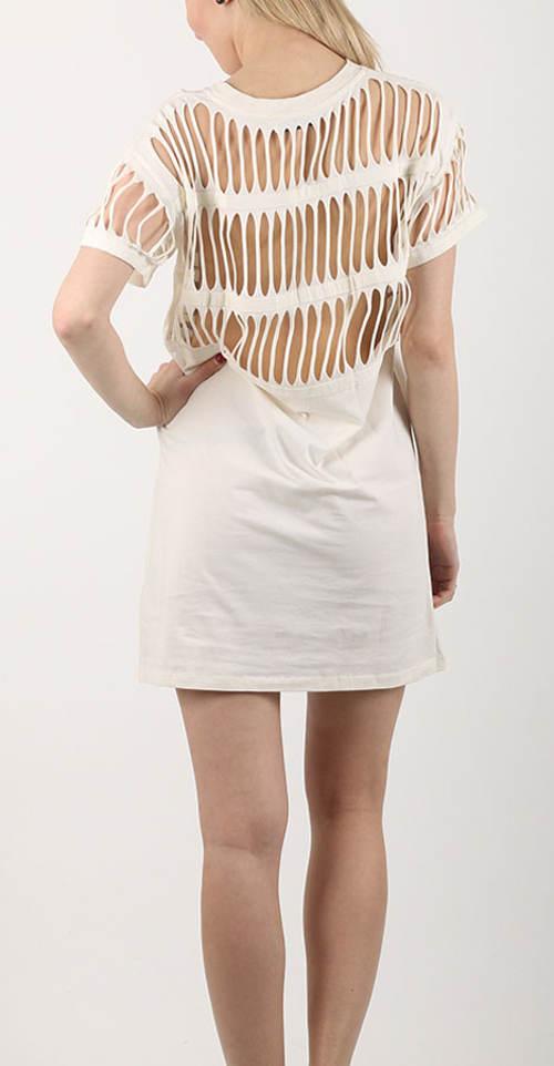 Dámské šaty s děrovanými zády