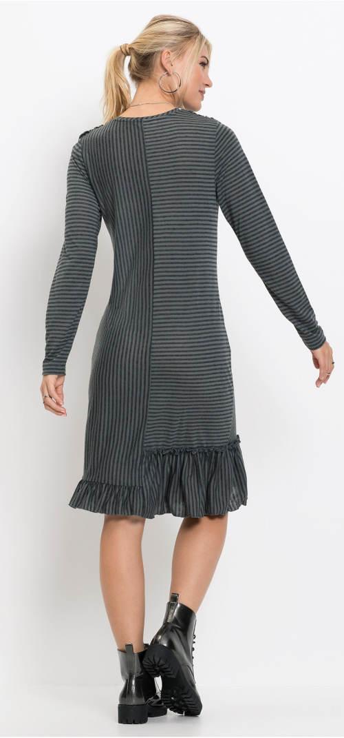 Pruhované šedé zimní šaty