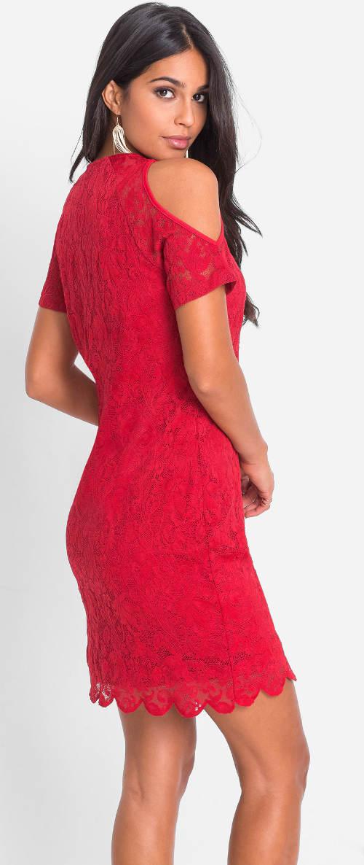 Krajkové šaty s odhalenými rameny