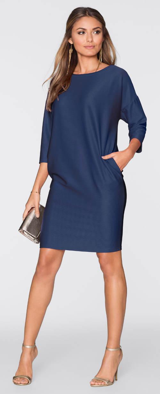 Volné modré šaty