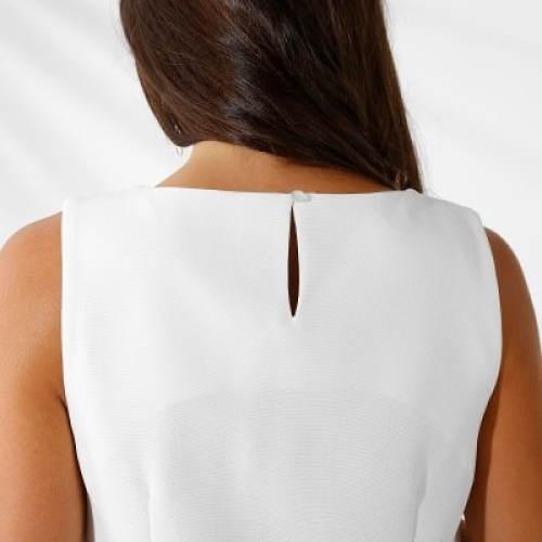 Bílé letní šaty bez rukávů