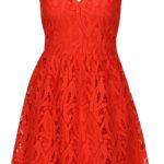Červené krajkové šaty bez rukávů s véčkovým výstřihem