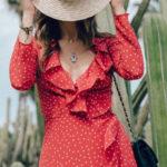Červené zavinovací letní šaty s puntíky