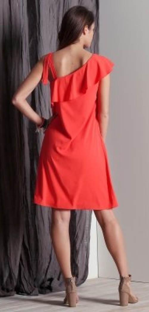 Letní šaty na jedno rameno