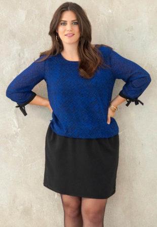 Šaty s efektem 2 v 1 - modrá halenka a černá sukně