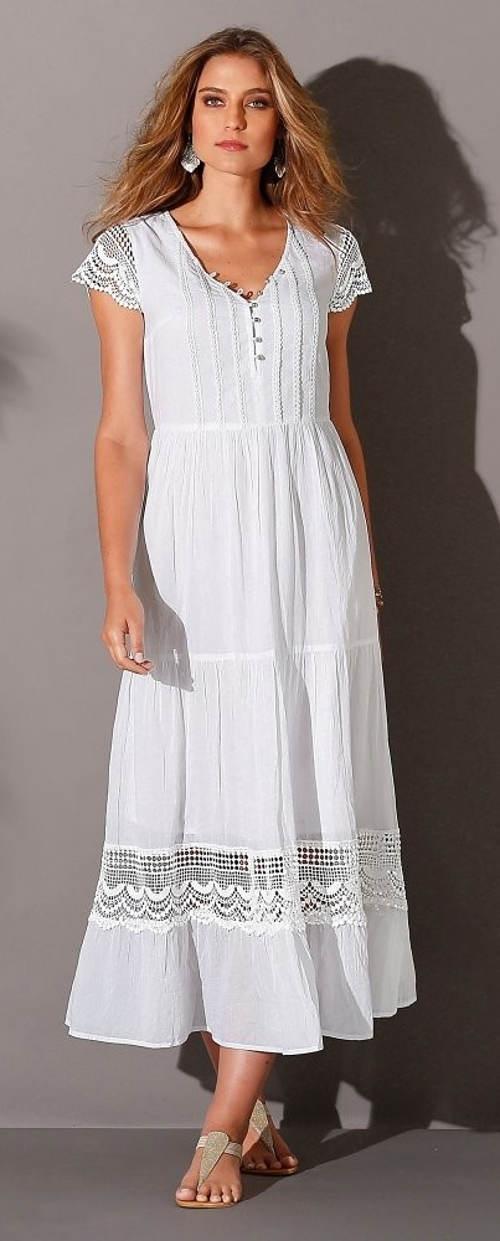 Dlouhé bílé šaty s krajkovou vsadkou