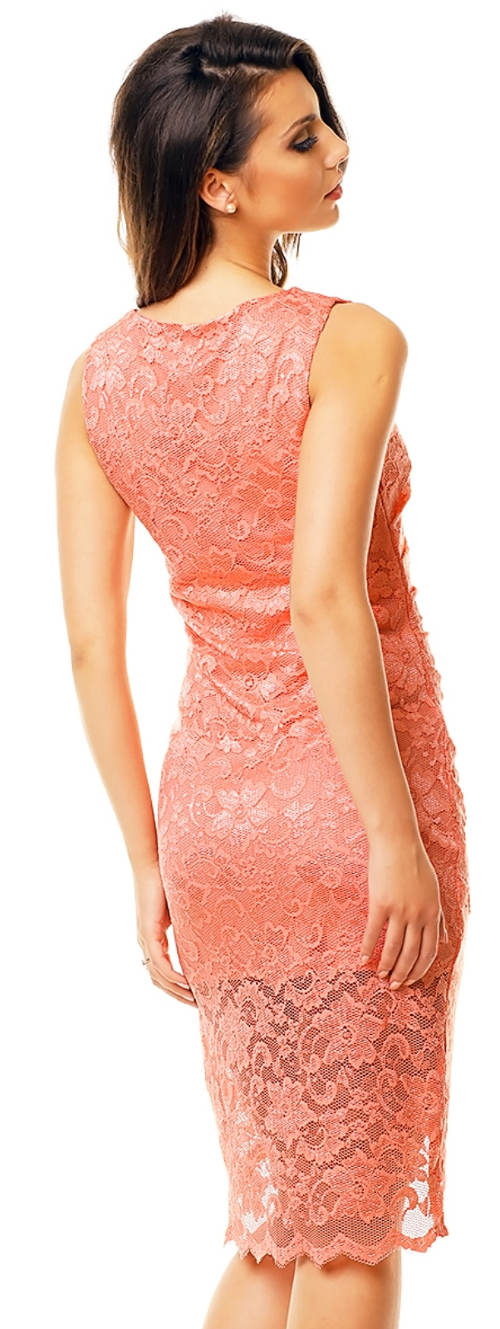 Krajkové růžové plesové šaty bez rukávů