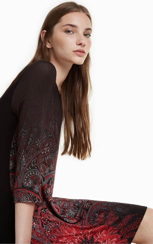 Pohodlné šaty s potiskem mandaly