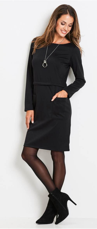 Černé úpletové šaty s velkými kapsami