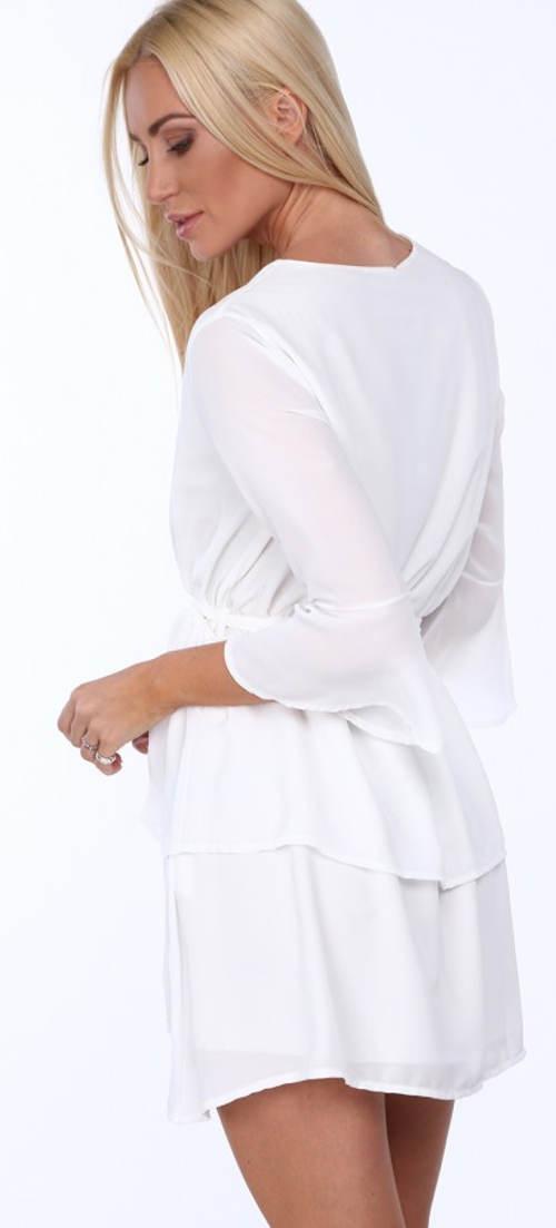 Lehounké bílé šaty