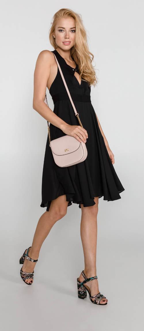 967497dbb58 ... dámské šaty Guess s širokou skládanou sukní. Černé společenské šaty s  odhalenými zády Černé společenské šaty s odhalenými zády Černé večerní šaty  ...
