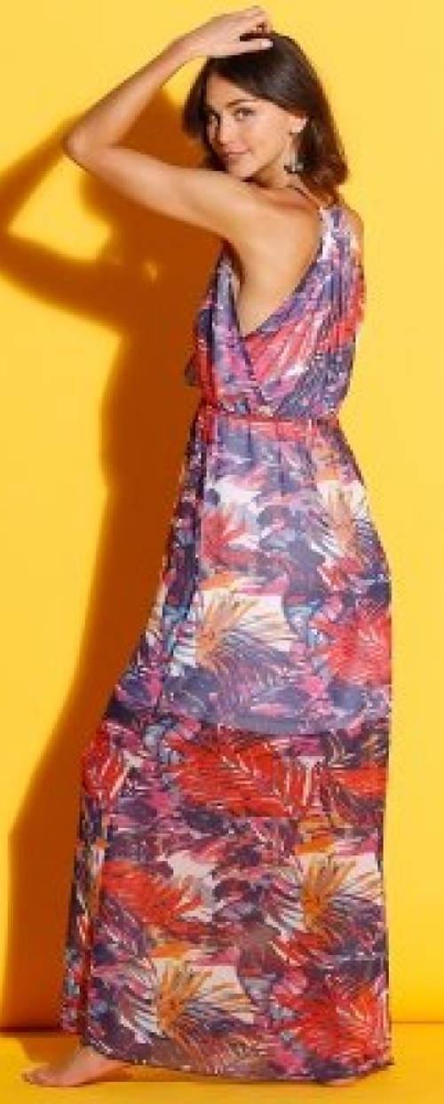 Lehounké letní šaty pro plnější tvary