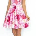 Růžové koktejlové šaty bez rukávů