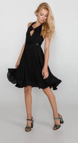 Společenské dámské šaty Guess s širokou skládanou sukní