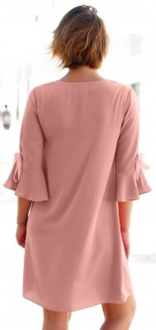 Vzdušné růžové šaty s 3/4 rukávem