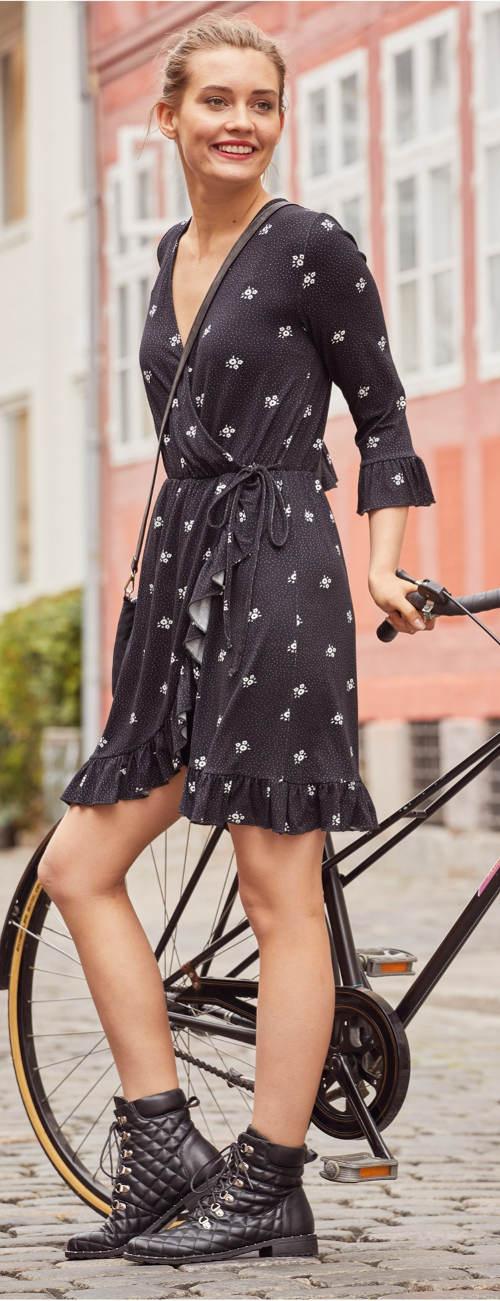 Černé dámské zavinovací šaty