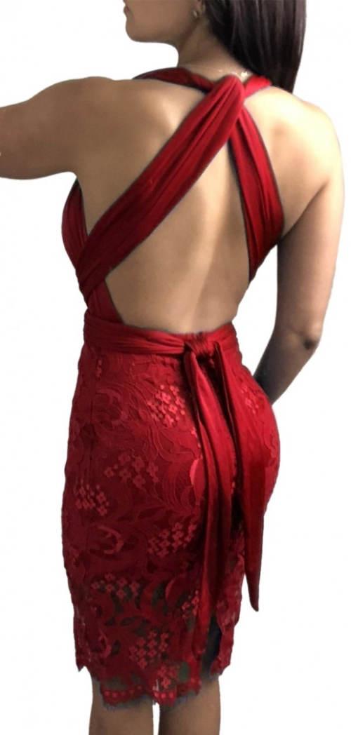 Červené společenské šaty s odhalenými zády