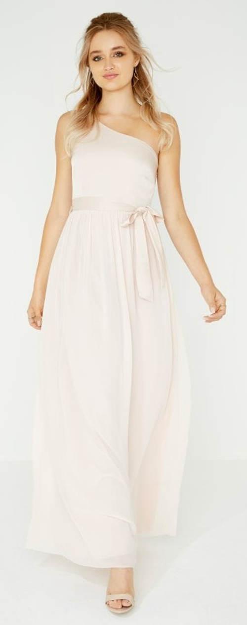 Dlouhé splývavé bílé šaty