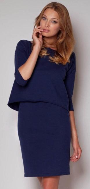 Modré volnější šaty po kolena s tříčtvrtečními rukávy