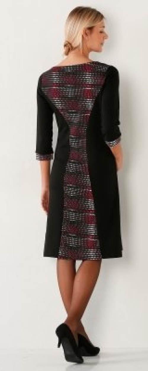 Zeštíhlující podzimní šaty
