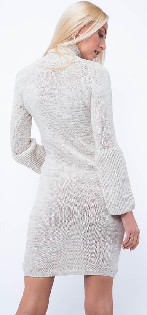Bílé úpletové lehce průsvitné zimní šaty