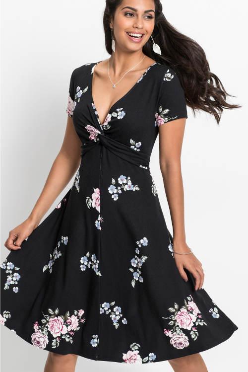 Černé květované šaty se širokou sukní
