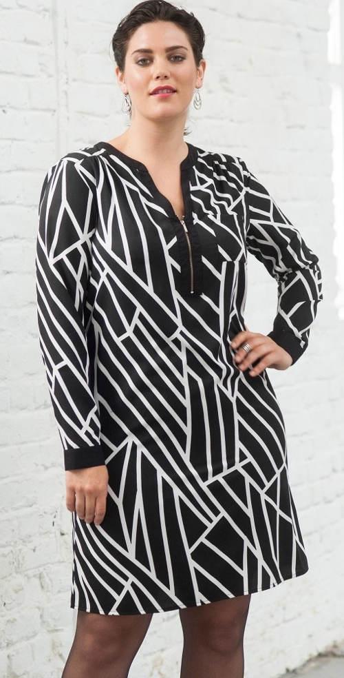 Černobílé volné šaty pro plnoštíhlé