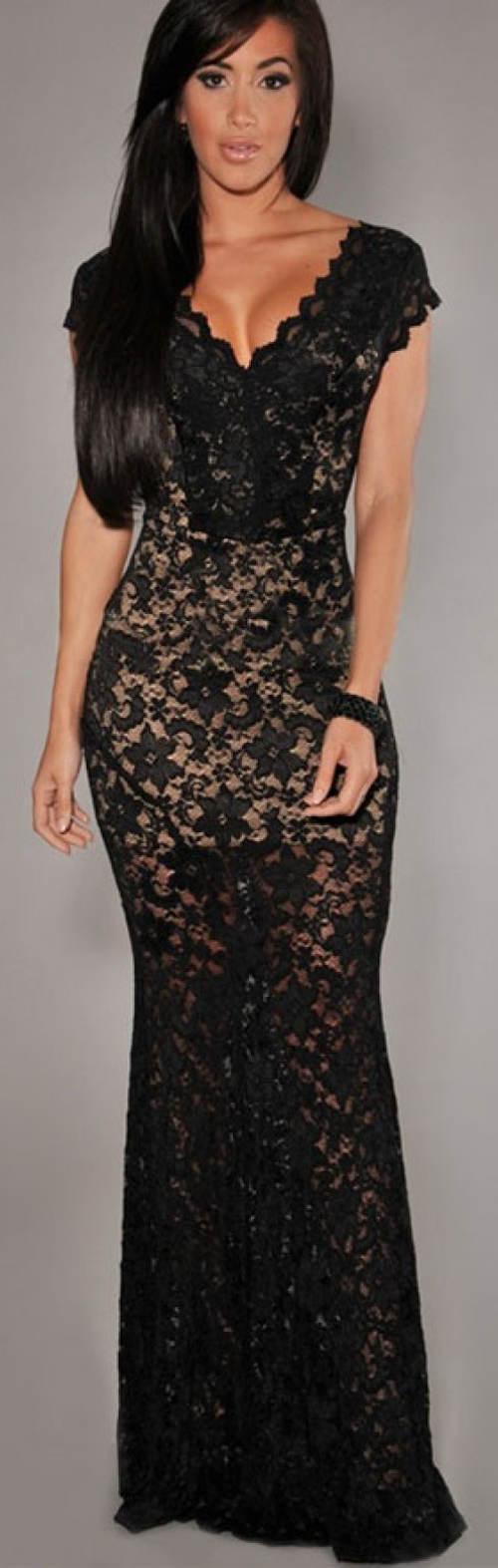 Dlouhé černé celokrajkové plesové šaty