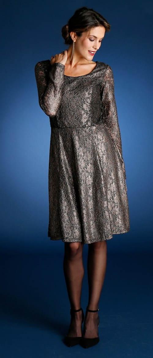 Lesklé krajkové společenské šaty