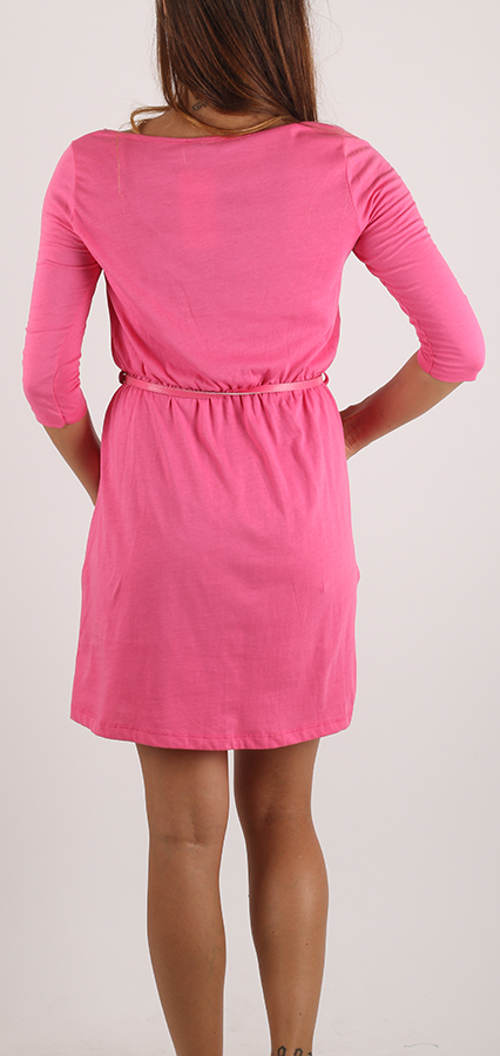 Levné růžové šaty s 3/4 rukávem