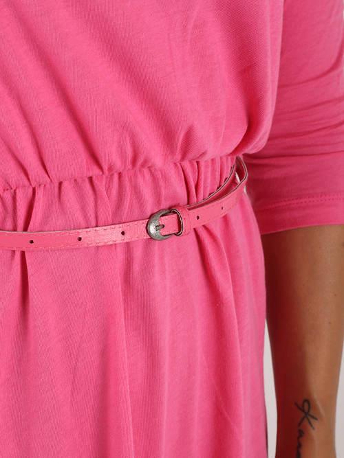 Růžové dámské šaty s opaskem