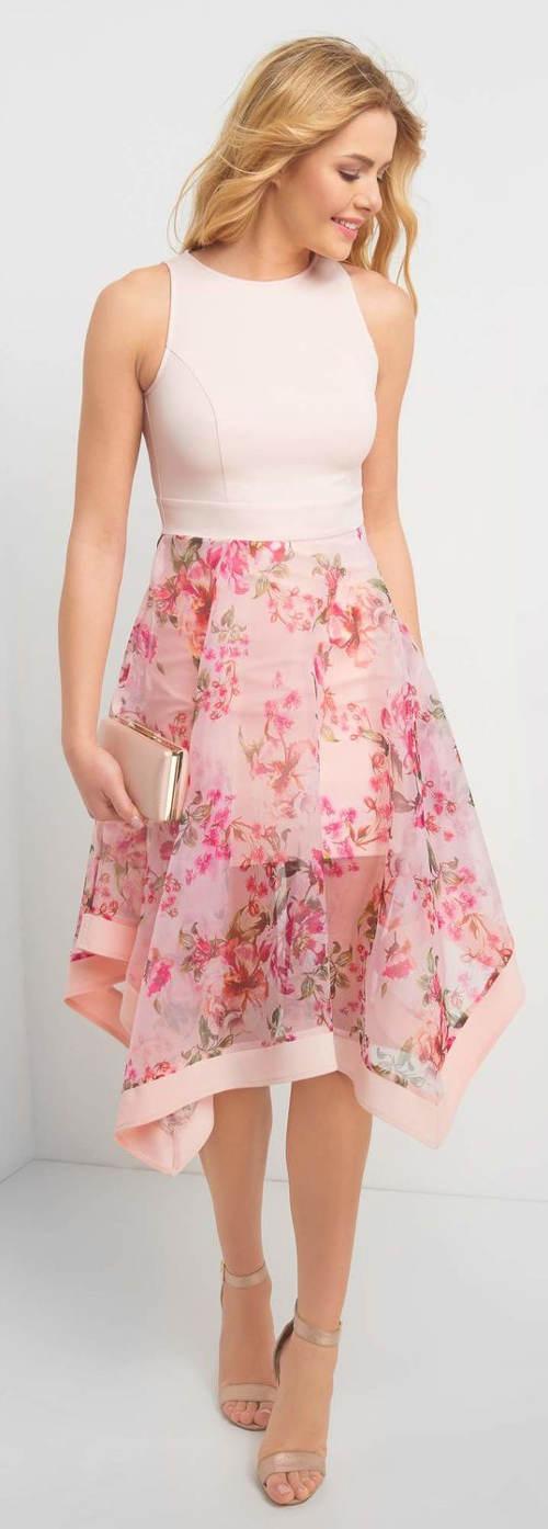 Růžové květinové letní šaty