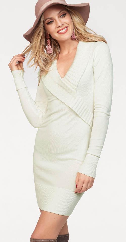 Bílé krátké pletené šaty