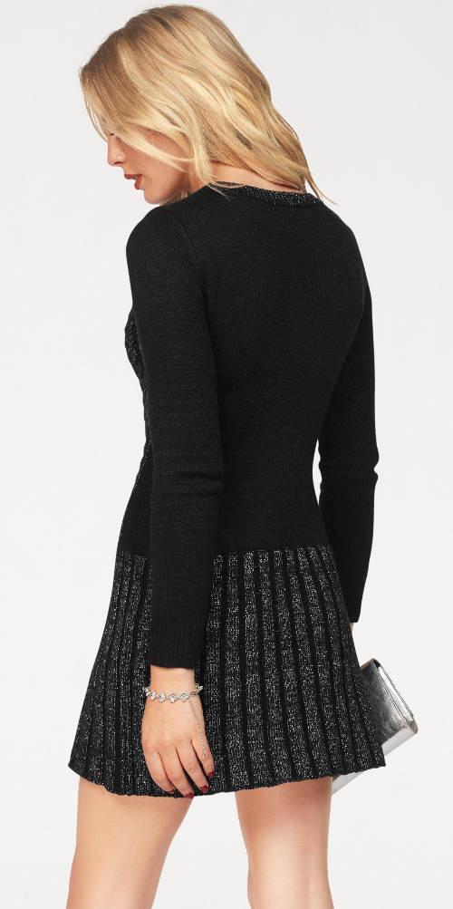 Černo-stříbrné zimní šaty