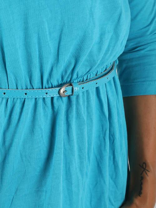 Dámské šaty s nenápadným páskem