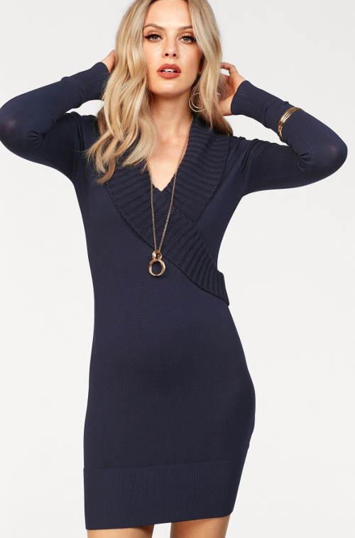 Modré úpletové šaty s nápletem