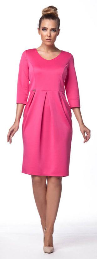 Růžové pouzdrové šaty s 3/4 rukávem