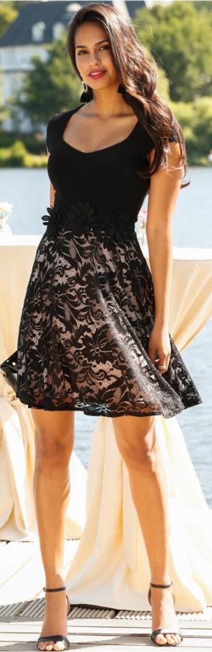 Šaty s krajkovou sukní a aplikací v pase